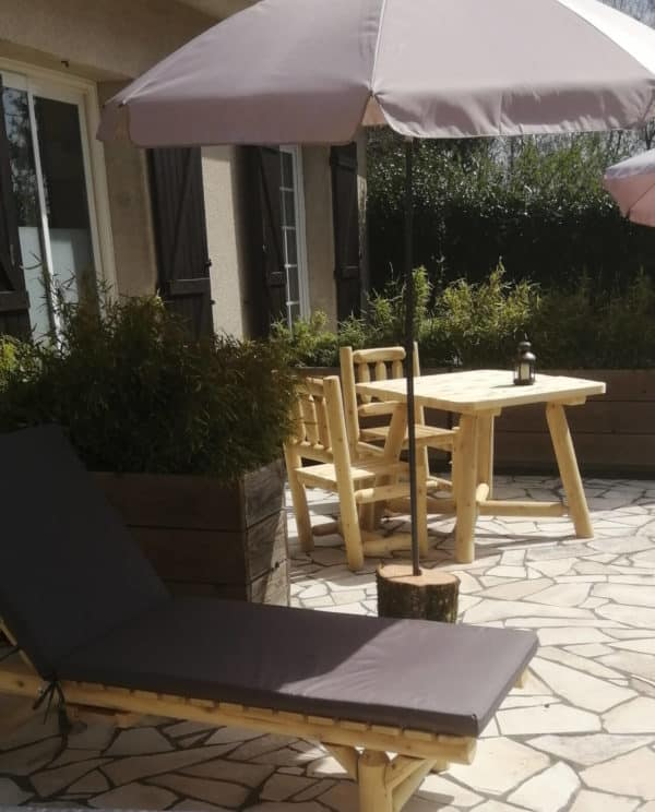 table carree chaise bois B130U B3