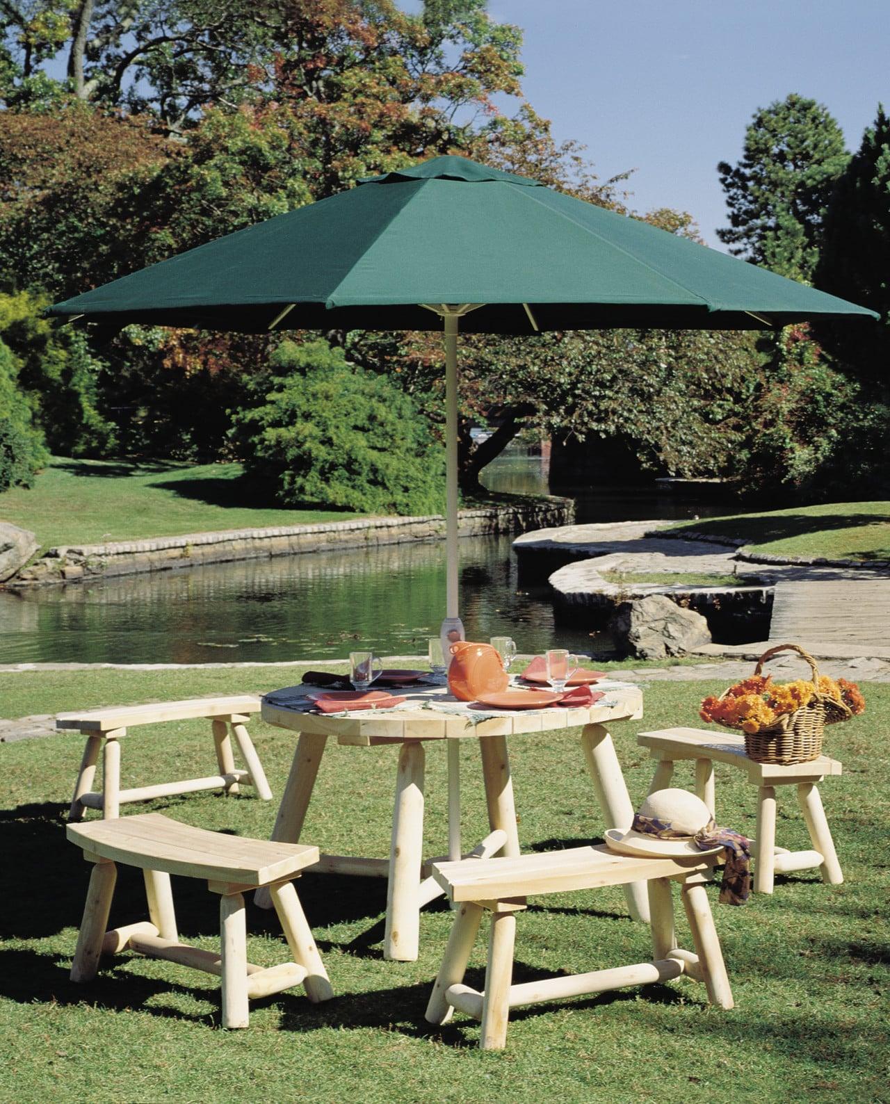 Table de jardin parasol ronde en bois c dre rondins - Table de jardin avec parasol ...