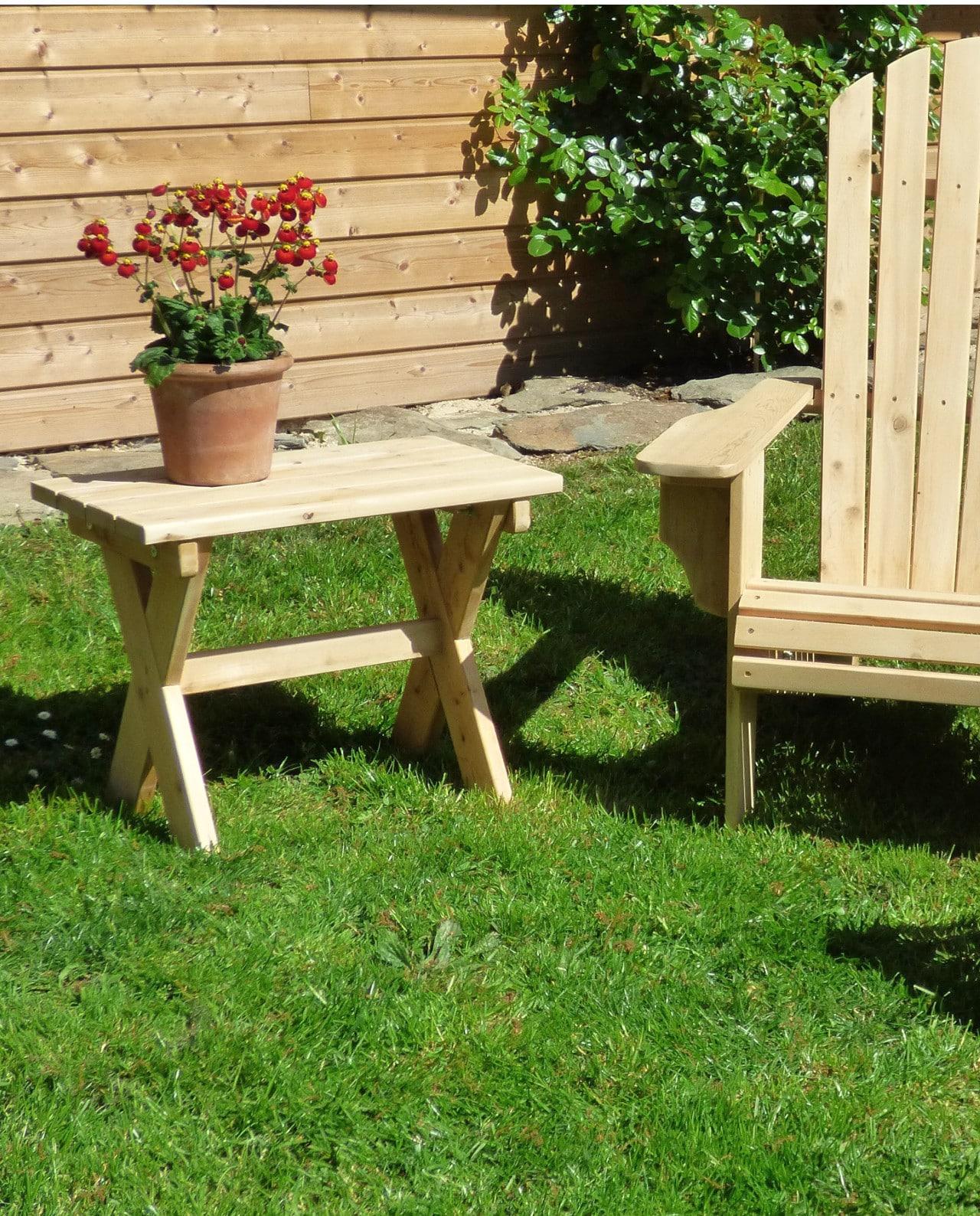 table adirondack en bois de c dre blanc c dre et rondins. Black Bedroom Furniture Sets. Home Design Ideas