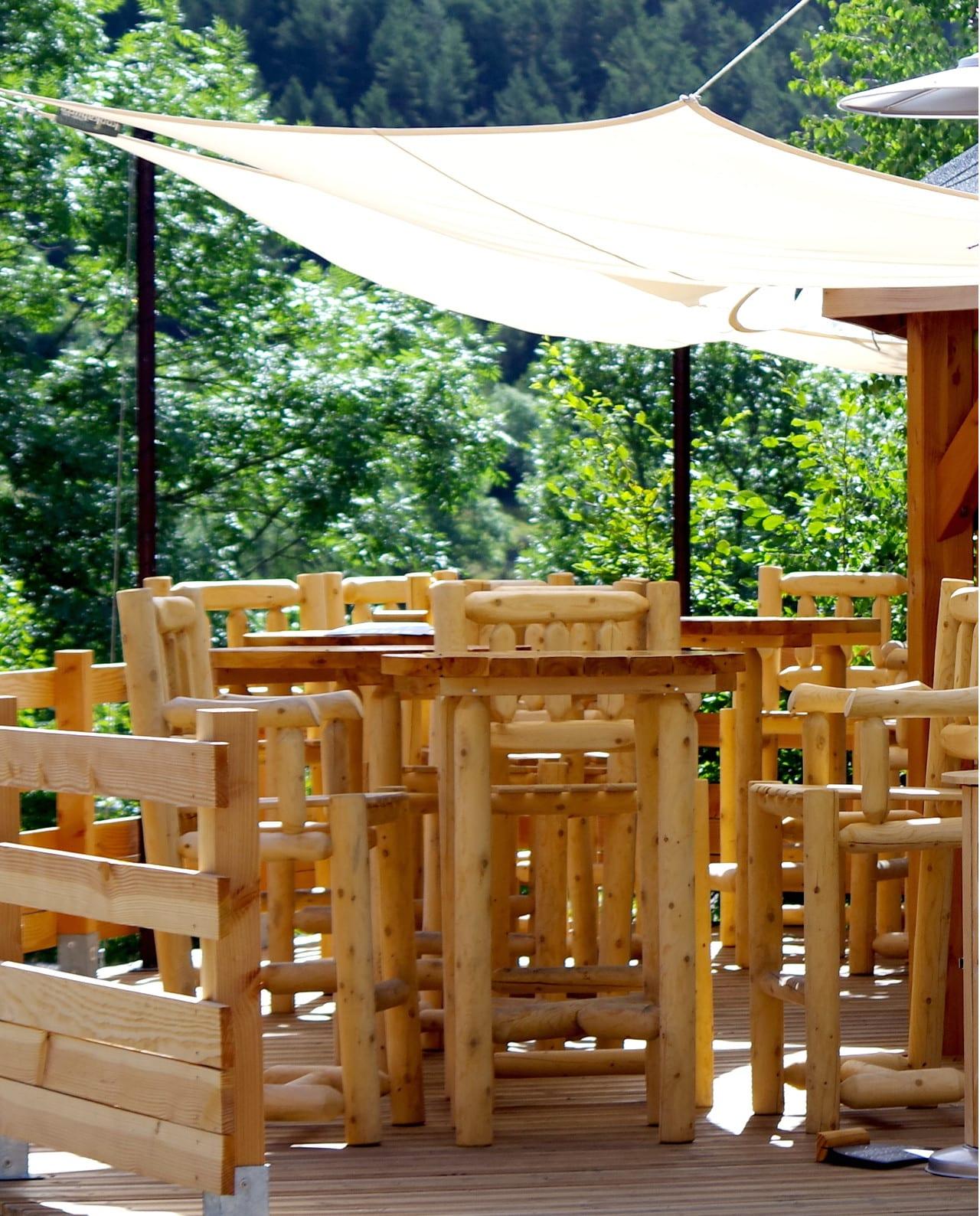 Grande Table Mange Debout : Mange debout en bois grand modèle cèdre rondins